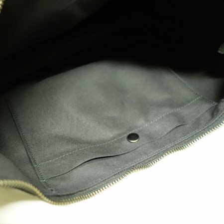 中にポケット