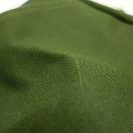 パラフィン加工を施した上質な9号帆布