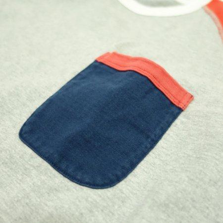 左胸にポケット