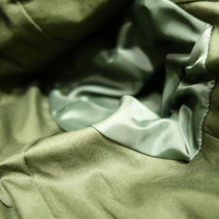 胴裏は綿100%。袖裏はポリエステル。
