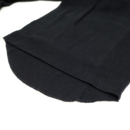 裾は前後差を設け背中が出難い。